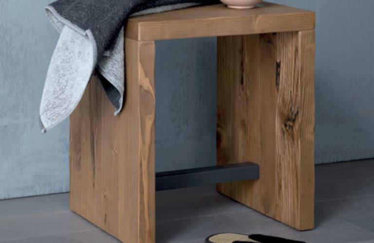 Sgabello legno con traverso in metallo - loetrà